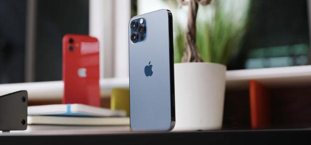 Apple cuối cùng đã cho iFan được chọn: Cập nhật hệ điều hành mới hoặc chỉ cập nhật bảo mật - Ảnh 1.