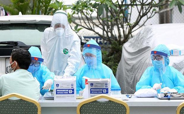 Gần 80% ca nhiễm là từ trong cộng đồng, TP.HCM sẽ dập dịch thế nào trong 14 ngày tới? - Ảnh 1.