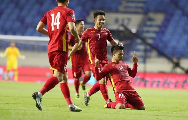 Khung hình vũ trụ điển trai của dàn cẩu thủ đội tuyển Việt Nam trước giờ ra sân, tiết lộ luôn việc đầu tiên làm sau trận đấu với UAE - Ảnh 4.