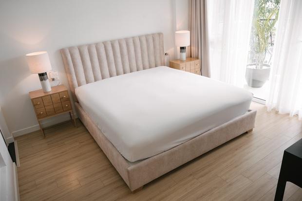6 tips để trải giường ở nhà sang xịn mịn như giường khách sạn từ cô nàng có 4 năm kinh nghiệm trong ngành - Ảnh 10.