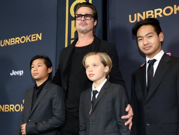 Người mẹ quốc dân Angelina Jolie: Khiến cả thế giới trầm trồ vì cách chăm 6 đứa con, cảm động nhất chuyện giúp cậu bé Việt đổi đời - Ảnh 2.