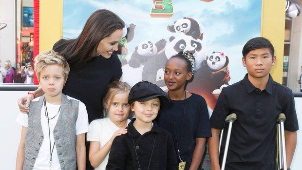Người mẹ quốc dân Angelina Jolie: Khiến cả thế giới trầm trồ vì cách chăm 6 đứa con, cảm động nhất chuyện giúp cậu bé Việt đổi đời - Ảnh 8.