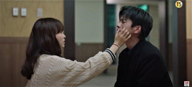 Park Bo Young bay màu ở Kẻ Hủy Diệt Gõ Cửa Nhà Tôi, netizen khóc lụt nhà Youth Of May vẫn chưa đủ sao? - Ảnh 5.