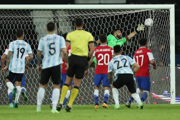 Argentina bất lực để Chile cầm hòa trong ngày Messi lập siêu phẩm đá phạt - Ảnh 5.