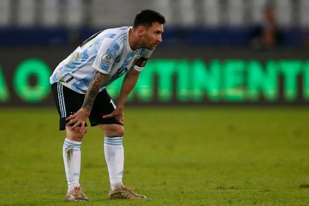 Argentina bất lực để Chile cầm hòa trong ngày Messi lập siêu phẩm đá phạt - Ảnh 7.