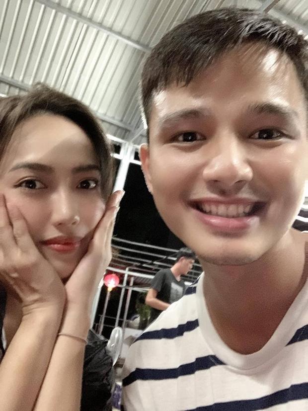 Diệu Nhi sợ nóc nhà nên không cùng dàn Sao Nhập Ngũ đóng MV mới của Dương Hoàng Yến - Ảnh 4.
