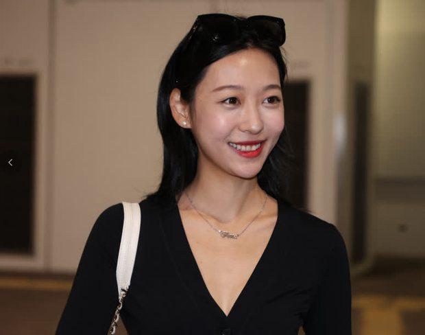 Hoảng hồn vòng sơ tuyển Hoa hậu Hong Kong: Thí sinh bị bóc lỗi make up, style lôi thôi như đi chợ, kéo đến 1 gương mặt sáng hiếm hoi mà vỡ òa - Ảnh 2.
