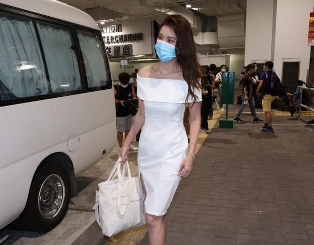 Hoảng hồn vòng sơ tuyển Hoa hậu Hong Kong: Thí sinh bị bóc lỗi make up, style lôi thôi như đi chợ, kéo đến 1 gương mặt sáng hiếm hoi mà vỡ òa - Ảnh 8.