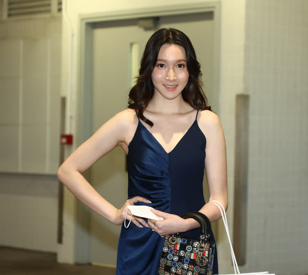Hoảng hồn vòng sơ tuyển Hoa hậu Hong Kong: Thí sinh bị bóc lỗi make up, style lôi thôi như đi chợ, kéo đến 1 gương mặt sáng hiếm hoi mà vỡ òa - Ảnh 20.