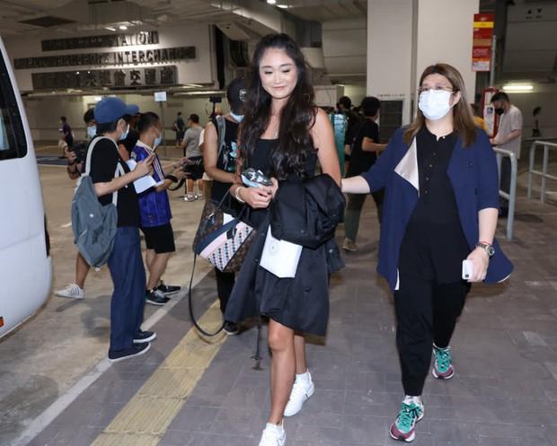 Hoảng hồn vòng sơ tuyển Hoa hậu Hong Kong: Thí sinh bị bóc lỗi make up, style lôi thôi như đi chợ, kéo đến 1 gương mặt sáng hiếm hoi mà vỡ òa - Ảnh 10.