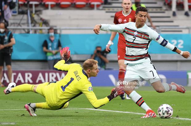 Bồ Đào Nha 3-0 Hungary: Ronaldo đi vào lịch sử với cú đúp - Ảnh 1.
