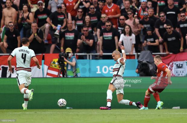 Bồ Đào Nha 3-0 Hungary: Ronaldo đi vào lịch sử với cú đúp - Ảnh 4.