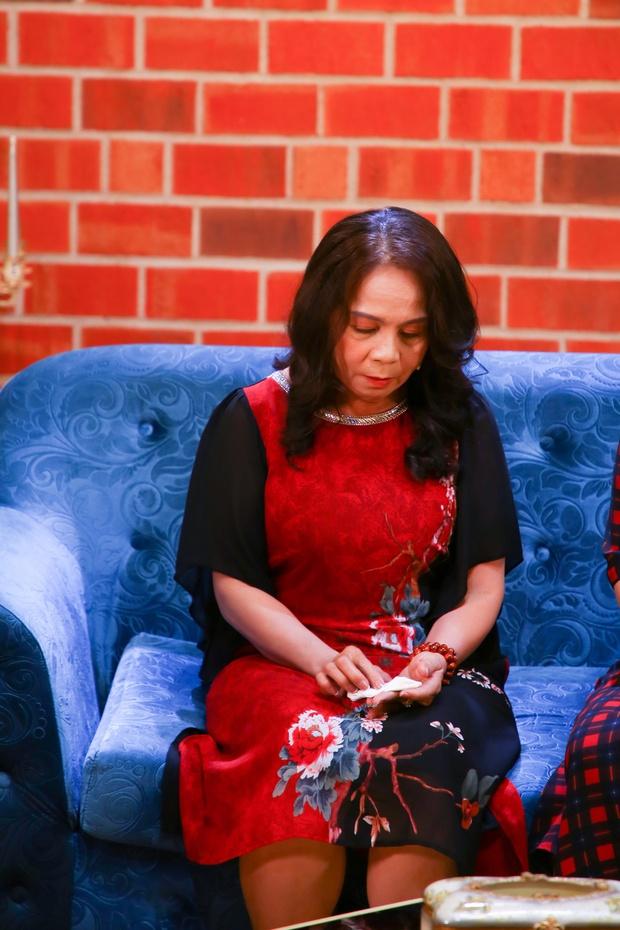 Người phụ nữ chịu đựng chồng 26 năm ngoại tình, vợ mang bầu vẫn ra ngoài ngủ với gái - Ảnh 2.