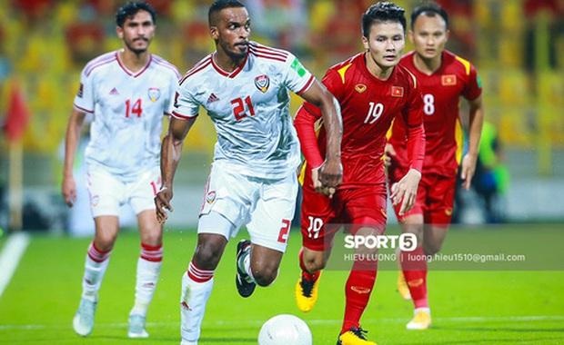 Chủ tịch Văn Toàn có chia sẻ đầu tiên sau trận đấu với UAE: Yên tâm về cách ly và bán quần áo rồi - Ảnh 4.