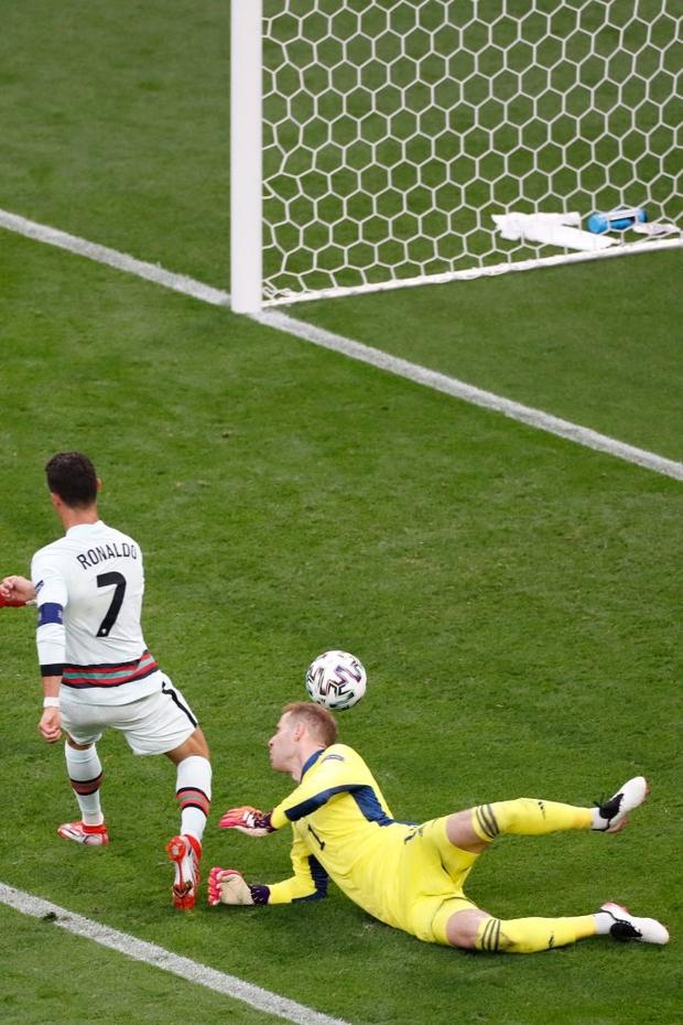 Ronaldo phá liên tiếp 3 kỷ lục vĩ đại nhất lịch sử Euro chỉ sau 1 trận đấu - Ảnh 3.