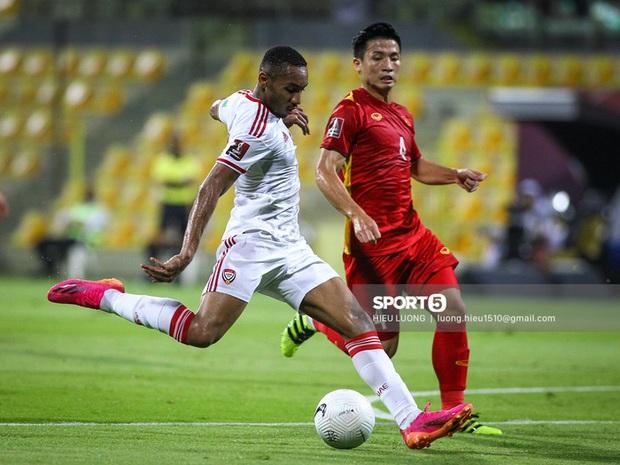 Chấm điểm cầu thủ Việt Nam vs UAE: Khác biệt mang tên Minh Vương - Ảnh 2.