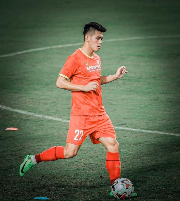 Quỳnh Thư lên tiếng khi bị đồn hẹn hò Tiến Linh, nam cầu thủ cũng có động thái đặc biệt gây chú ý! - Ảnh 5.