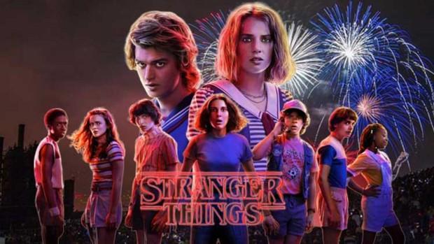 Stranger Things 4 lộ ảnh hậu trường, mỹ nam bao cát bị đánh bầm dập vẫn chiếm spotlight vì đẹp trai khó cưỡng! - Ảnh 2.