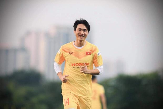 Dàn nam thần của ĐT Việt Nam: Giỏi đá bóng, có khiếu kinh doanh, biết nấu ăn và quan trọng nhất đều còn độc thân! - Ảnh 16.