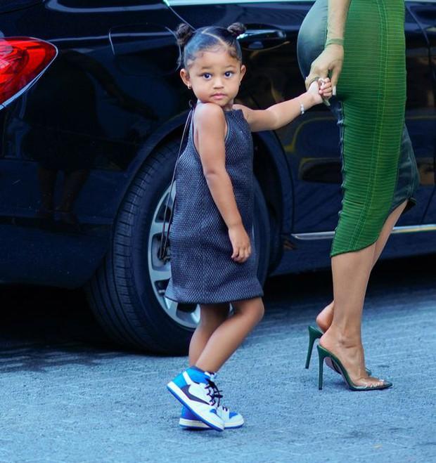 Sau 2 năm toang vì tiểu tam, Kylie Jenner và Travis Scott chính thức tái hợp, cách chàng gọi nàng báo hiệu tin vui? - Ảnh 4.