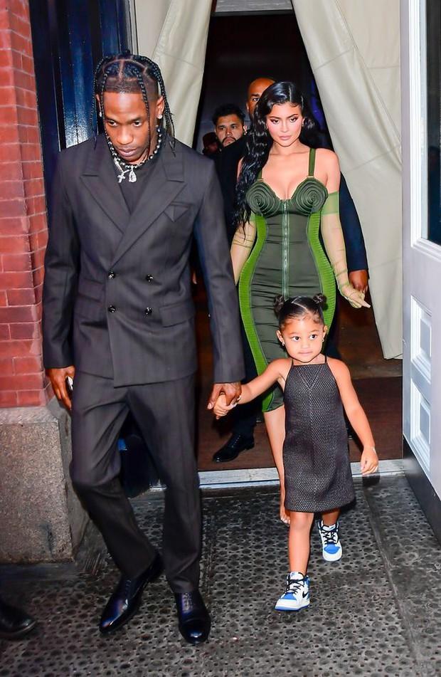Sau 2 năm toang vì tiểu tam, Kylie Jenner và Travis Scott chính thức tái hợp, cách chàng gọi nàng báo hiệu tin vui? - Ảnh 5.