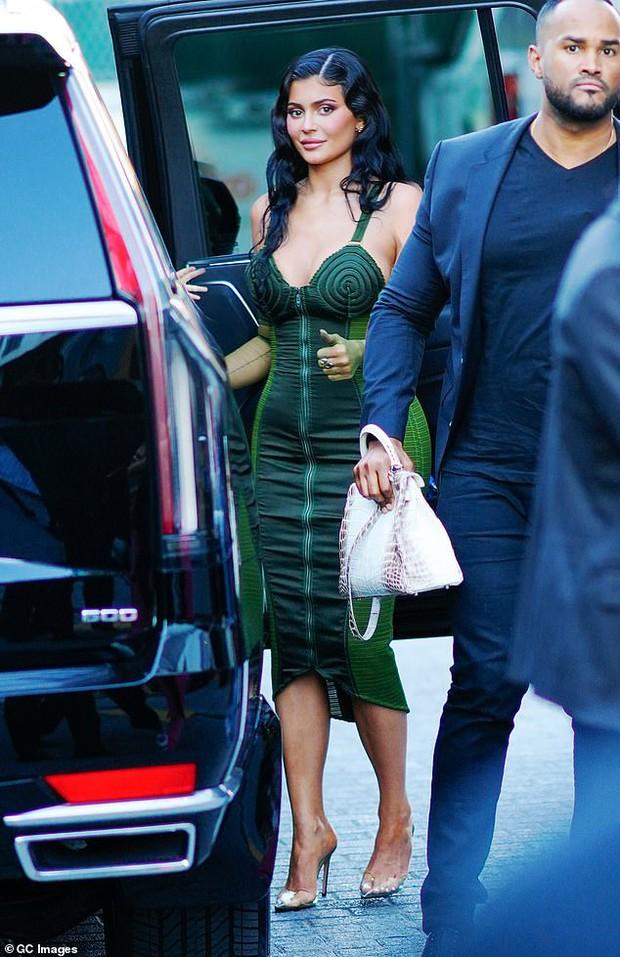 Sau 2 năm toang vì tiểu tam, Kylie Jenner và Travis Scott chính thức tái hợp, cách chàng gọi nàng báo hiệu tin vui? - Ảnh 6.