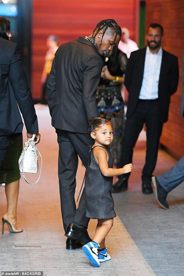 Sau 2 năm toang vì tiểu tam, Kylie Jenner và Travis Scott chính thức tái hợp, cách chàng gọi nàng báo hiệu tin vui? - Ảnh 7.