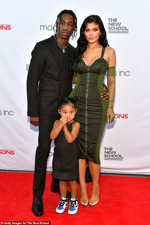 Sau 2 năm toang vì tiểu tam, Kylie Jenner và Travis Scott chính thức tái hợp, cách chàng gọi nàng báo hiệu tin vui? - Ảnh 9.