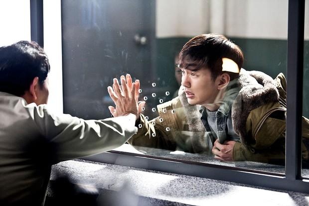 5 phim Hàn chẳng cần loveline vẫn hạ gục khán giả: Từ nam sinh chăn dắt gái gọi đến nhà trọ toàn ác ma - Ảnh 4.