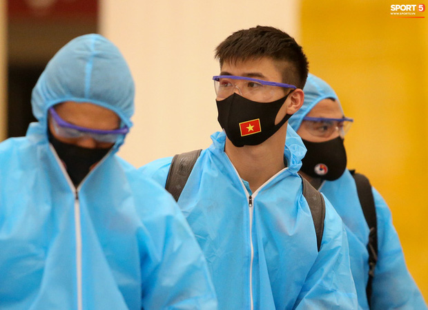 Bộ Y tế đồng ý đề xuất thời gian cách ly 7 ngày đối với các thành viên ĐTQG Việt Nam - Ảnh 1.