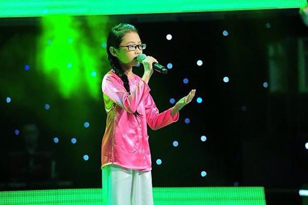 Phương Mỹ Chi: Cô bé sống ở nhà cấp 4 cùng gia đình 14 người, hát đám ma giá 100 nghìn đến sao nhí đổi đời sau giải tiền tỷ - Ảnh 6.