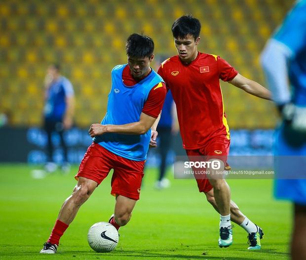 Chấm điểm cầu thủ Việt Nam vs UAE: Khác biệt mang tên Minh Vương - Ảnh 4.