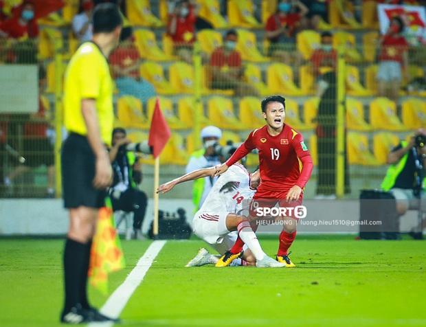 Chấm điểm cầu thủ Việt Nam vs UAE: Khác biệt mang tên Minh Vương - Ảnh 6.