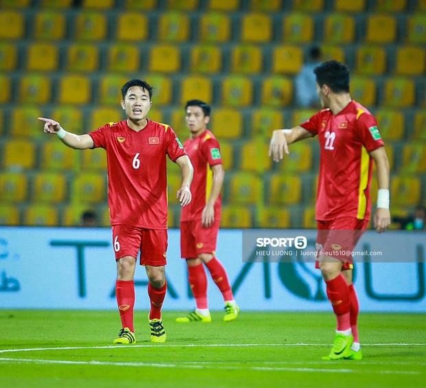 Chấm điểm cầu thủ Việt Nam vs UAE: Khác biệt mang tên Minh Vương - Ảnh 7.