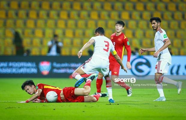 Chấm điểm cầu thủ Việt Nam vs UAE: Khác biệt mang tên Minh Vương - Ảnh 8.