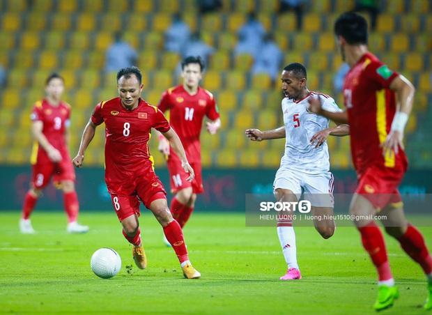 Chấm điểm cầu thủ Việt Nam vs UAE: Khác biệt mang tên Minh Vương - Ảnh 9.