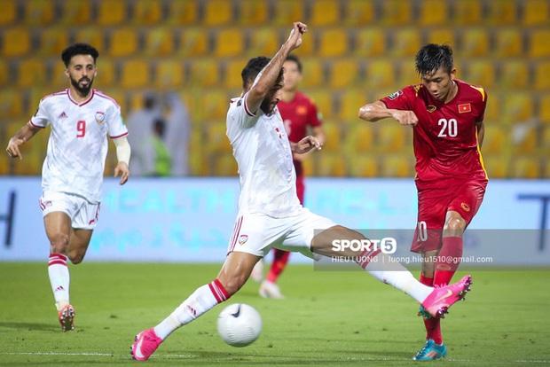 Chấm điểm cầu thủ Việt Nam vs UAE: Khác biệt mang tên Minh Vương - Ảnh 10.