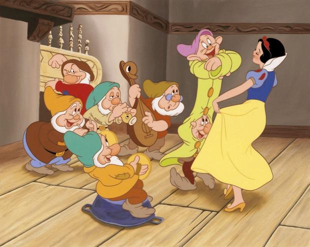 8 sự thật ngỡ ngàng của phim Disney: Elsa vốn dĩ không đáng ngưỡng mộ như vậy, Beyoncé còn từng quay vào ô mất lượt! - Ảnh 1.