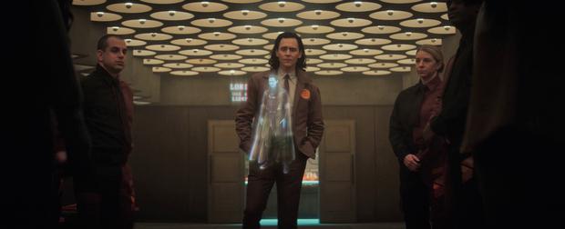 Loki tập 2 kết thúc chấn động: Loki bị hành ra bã, một nhân vật sừng sỏ của Marvel lần đầu xuất hiện! - Ảnh 3.