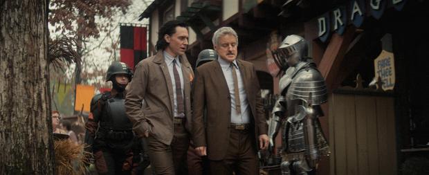 Loki tập 2 kết thúc chấn động: Loki bị hành ra bã, một nhân vật sừng sỏ của Marvel lần đầu xuất hiện! - Ảnh 4.