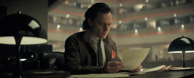 Loki tập 2 kết thúc chấn động: Loki bị hành ra bã, một nhân vật sừng sỏ của Marvel lần đầu xuất hiện! - Ảnh 6.