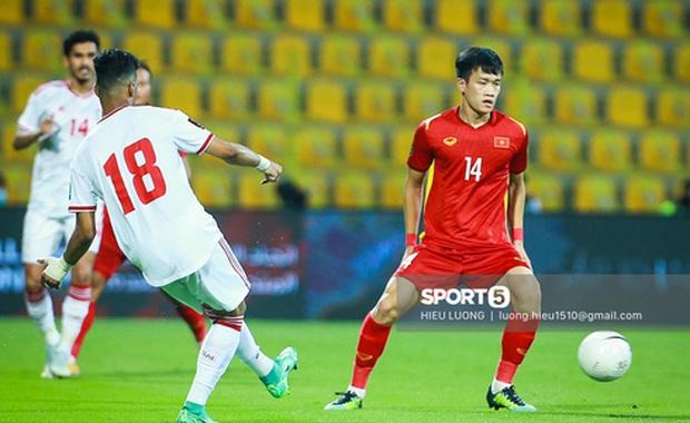 Xem bóng đá trận Việt Nam - UAE mà CĐV nước bạn hát như mở show âm nhạc vậy - Ảnh 7.