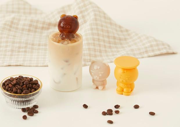 Kakao Friends có 8 món phụ kiện mùa hè cưng xỉu: Từ khuôn làm đá đến đủ loại quạt xinh quá trời - Ảnh 1.
