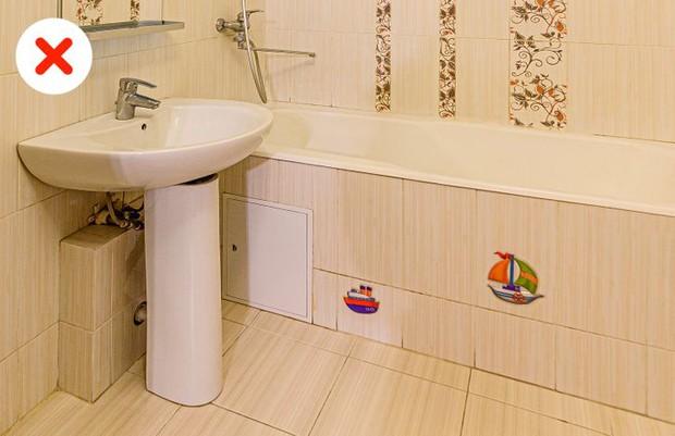11 sai lầm dễ mắc biến phòng tắm nhà bạn thành một mớ hỗn độn kém sang - Ảnh 14.