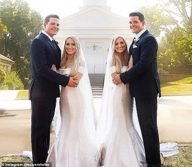 Chị em sinh đôi cưới anh em sinh đôi rồi sinh con cùng một lúc, ngoại hình của 2 em bé gây tò mò bao lâu ra sao? - Ảnh 2.