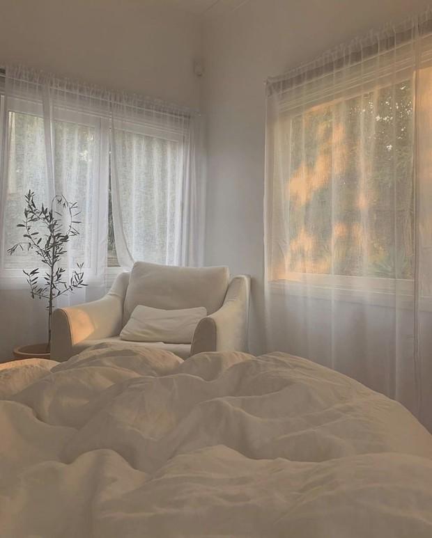 4 lý do nên chọn rèm cửa màu trắng: Ai không phải mệnh Kim cũng dễ bị thuyết phục bởi 3 điều - Ảnh 9.