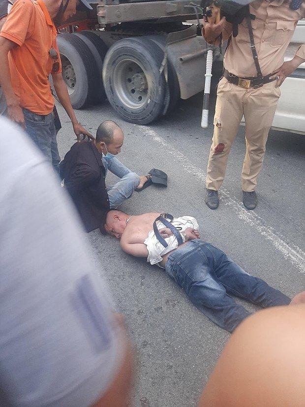 Tài xế ô tô dương tính ma tuý tông vào xe CSGT khi bị chặn kiểm tra - Ảnh 4.