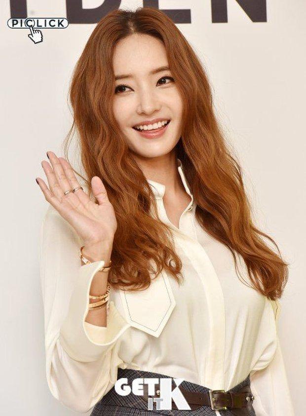Hội chị đại Jeon Ji Hyun - Han Chae Young - Honey Lee đồng loạt tái xuất, dự kiến cho các đàn em hít khói - Ảnh 4.