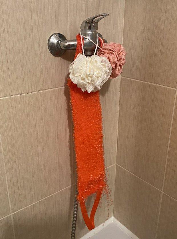 11 sai lầm dễ mắc biến phòng tắm nhà bạn thành một mớ hỗn độn kém sang - Ảnh 13.