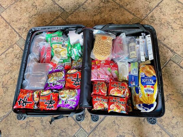 Đồng đội về nước gần hết, Bùi Tiến Dũng và Hoàng Đức ở lại Dubai mới ăn một món hot trend mang từ Việt Nam sang - Ảnh 2.